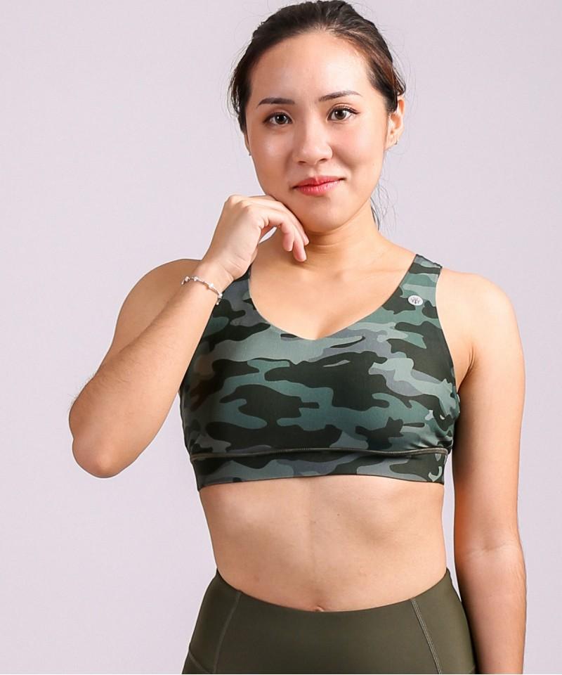 重點在背肌・軍綠色迷彩